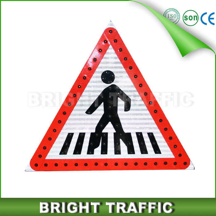 Solar LED Traffic Sign (1)