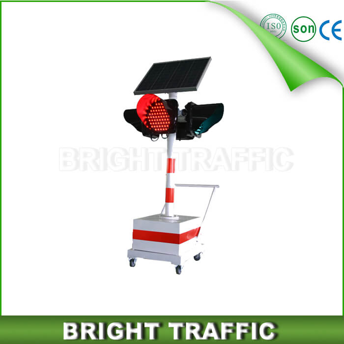 Solar Portable Traffic Light easy installation