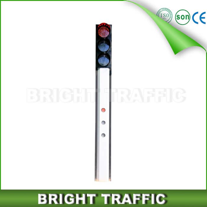 Integrated Traffic Signal Light